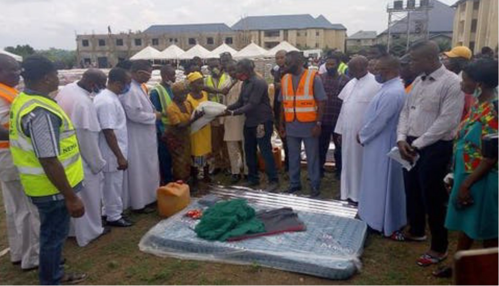 FG distributes relief materials worth millions of naira to victims of communal clashes in Ebonyi