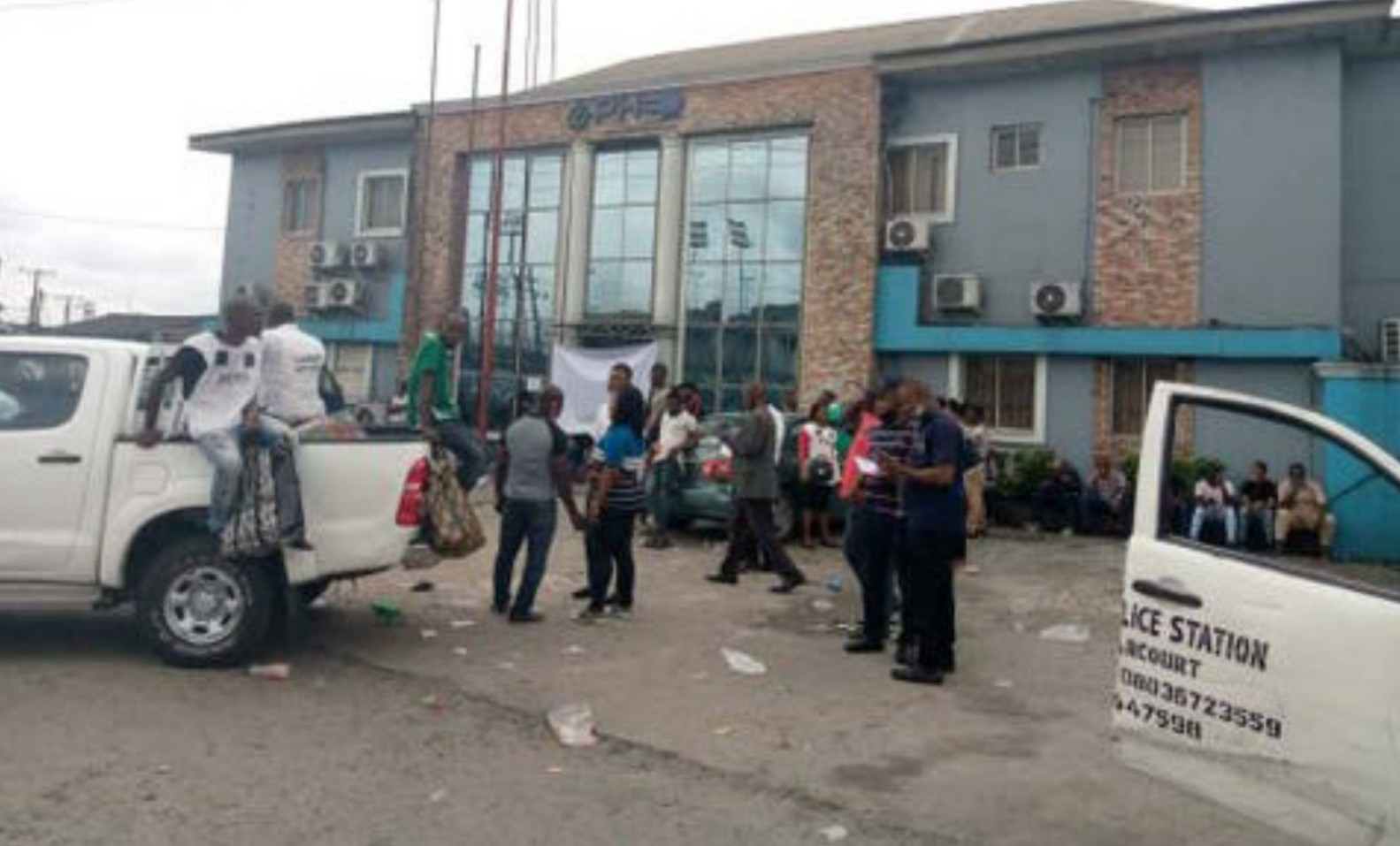 Labour union shuts down electricity distribution company's office in Rivers