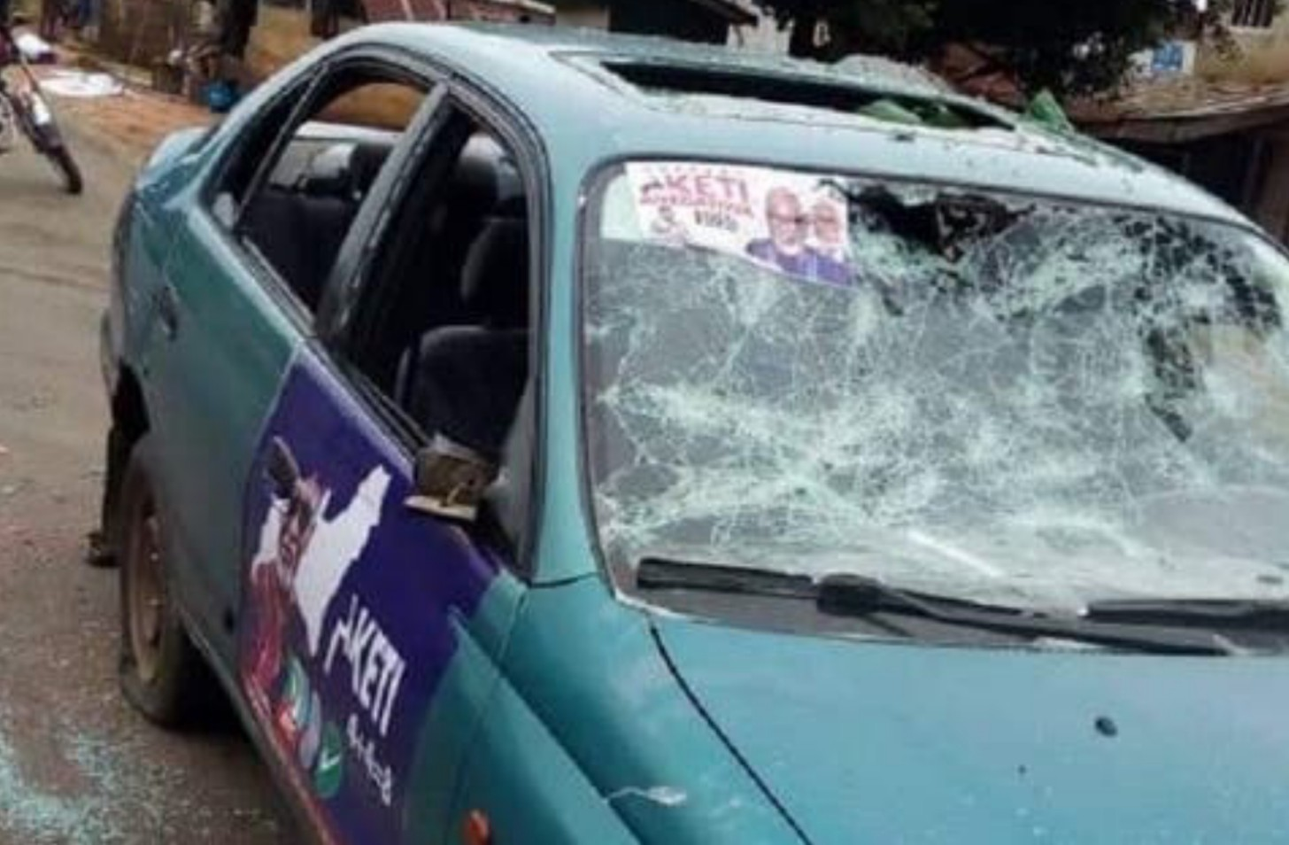 Ondo 2020: Many injured as PDP, APC supporters clash