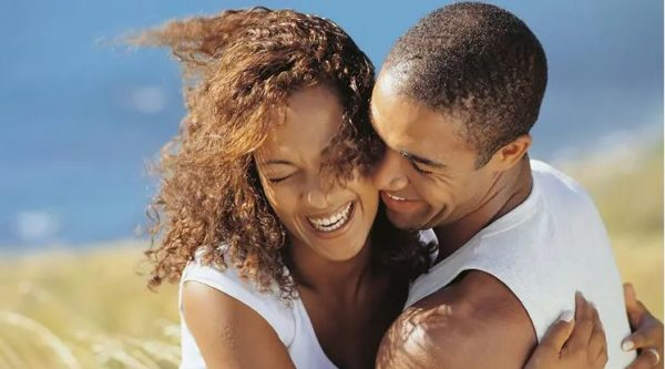 5 things strong men do for women they love