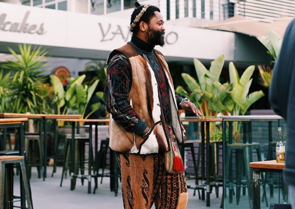 Sjava confuses fans with photo of a lady | His new girlfriend?