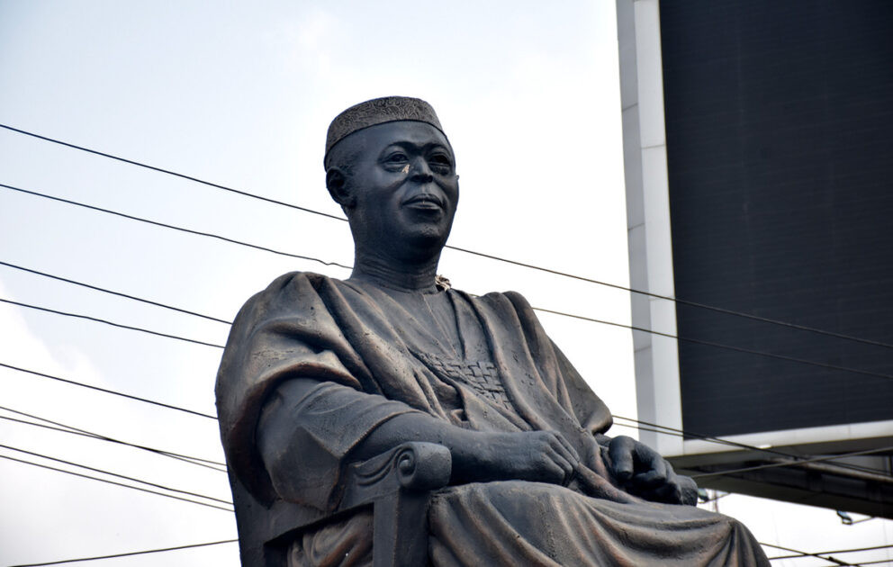 Hoodlums steal Obafemi Awolowo's glasses from his statue (photos)