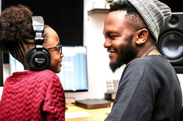 """Kwesta struggles dancing to """"Despacito"""" with his daughter – Watch"""