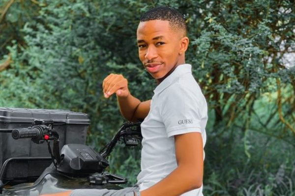 Lasizwe receives a double door fridge as gift from SMEG South Africa