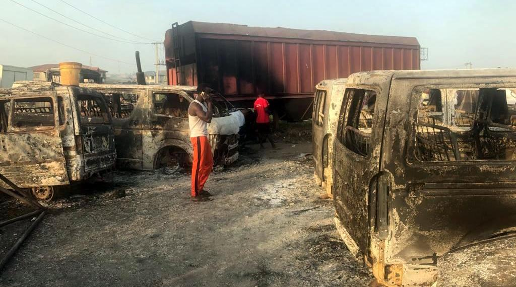 JUST IN: Many vehicles razed as fuel tanker guts fire on Lagos-Ibadan expressway (PHOTOS)