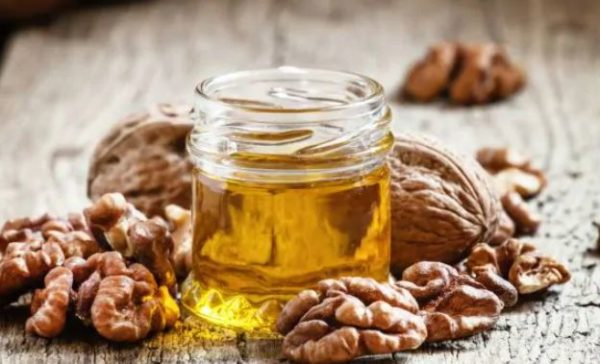 5 incredible health benefits of Walnut oil for health and beauty