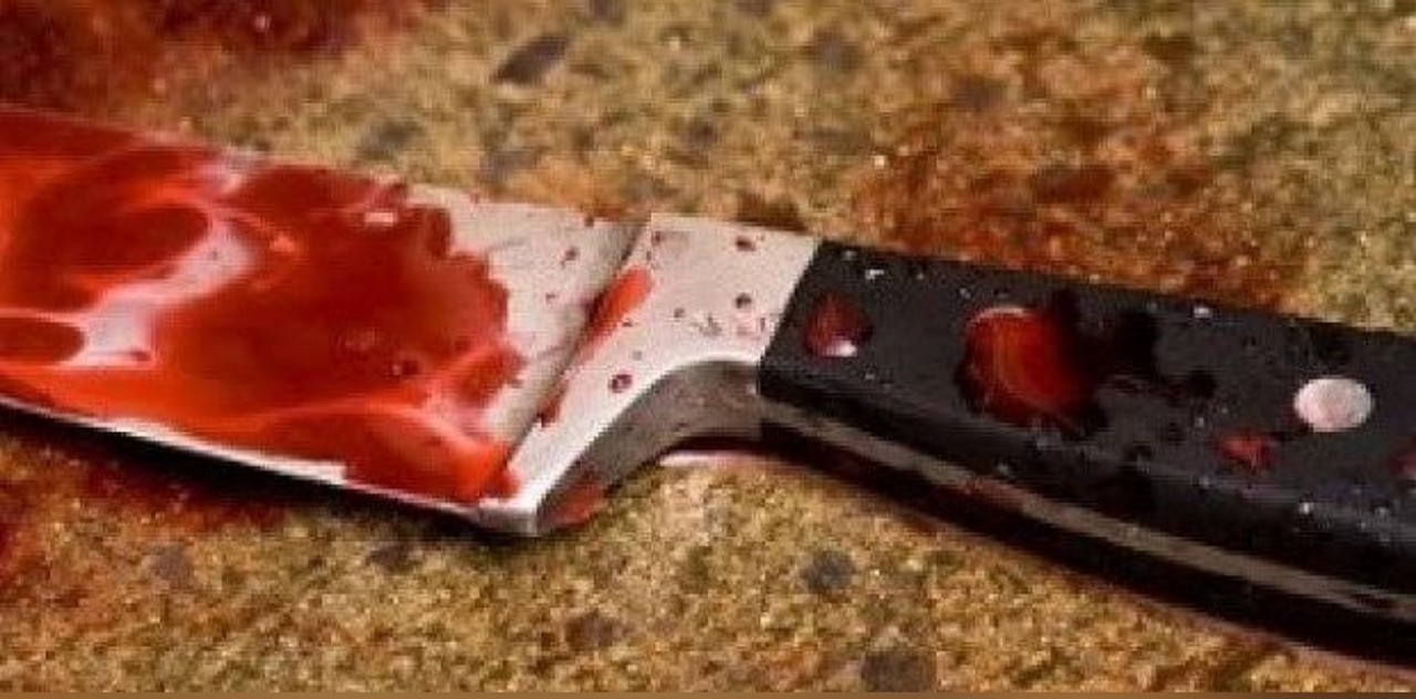 Middle-aged man mysteriously dies after stabbing co-tenant to death in Osun