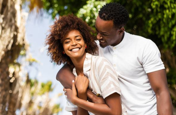 4 changes you'll notice in your relationship when you travel together
