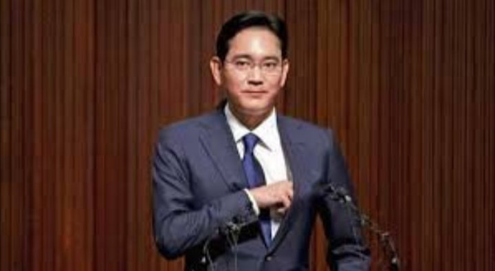 Samsung heir, Jay Y. Lee sentenced to two and half years in prison for bribery and embezzlement