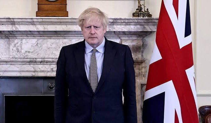 UK PM announces lockdown in England