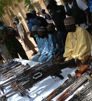 Four bandit leaders repent in Katsina, surrender their arms and ammunition (photo)