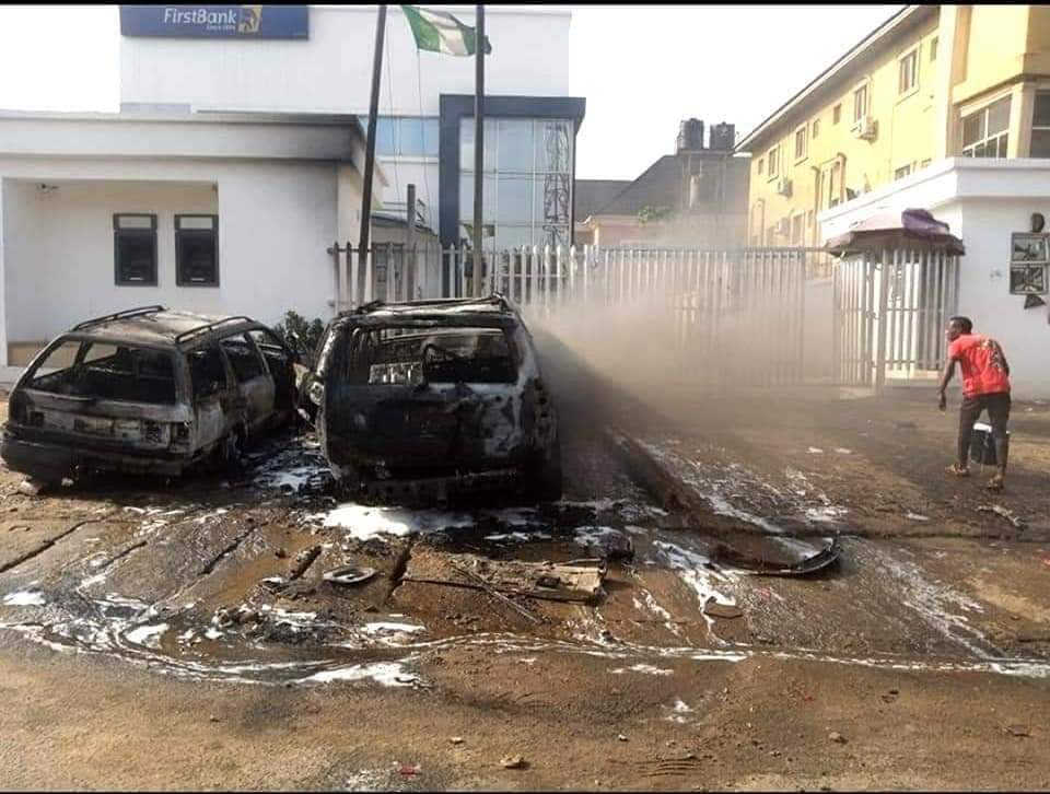 VIDEO: Two students shot by stray bullet as hoodlums attack bank in Anambra state