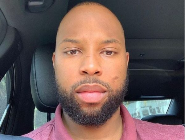 Sizwe Dhlomo's new selfie melts hearts | Lasizwe joins others in shooting their shot