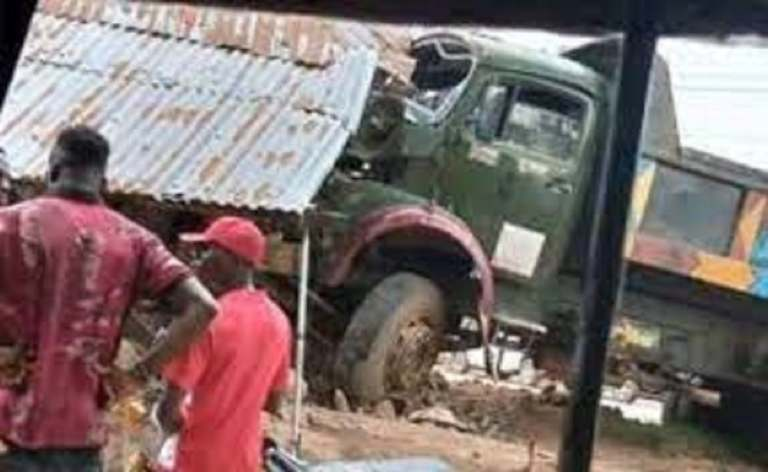 Man dies while forcefully trying to stop a moving truck for toll payment in Abia