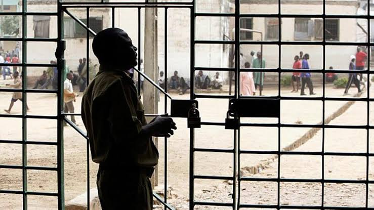 JUST IN: Prisoners freed as hoodlums attack correctional centre in Imo