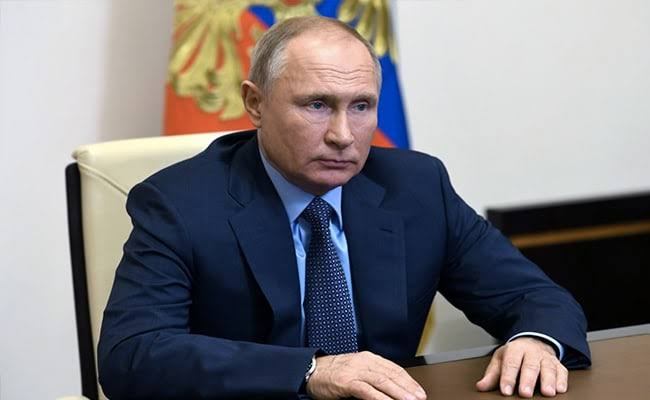 Putin signs legislation that formally grants him the right to stay in power till 2036