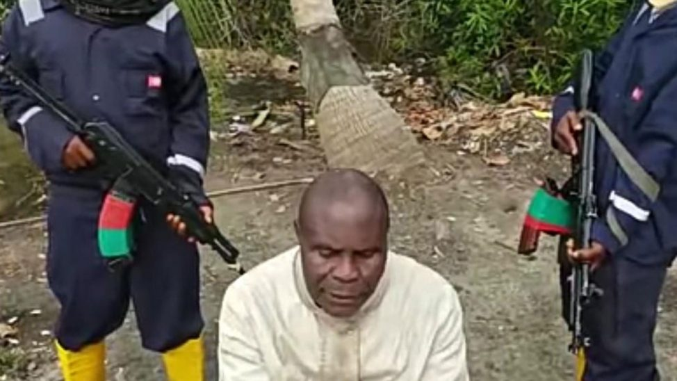 Abductors of Andoni monarch releases video of King Aaron Miller kneeling, reading out their demands