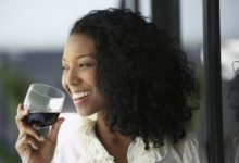 5 alcoholic drinks that are good for your skin!