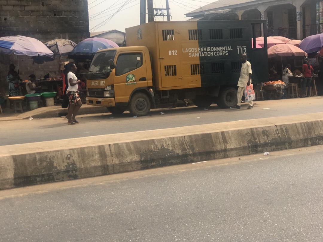 Lagos govt arrests popcorn seller for attacking officials with knife, charms