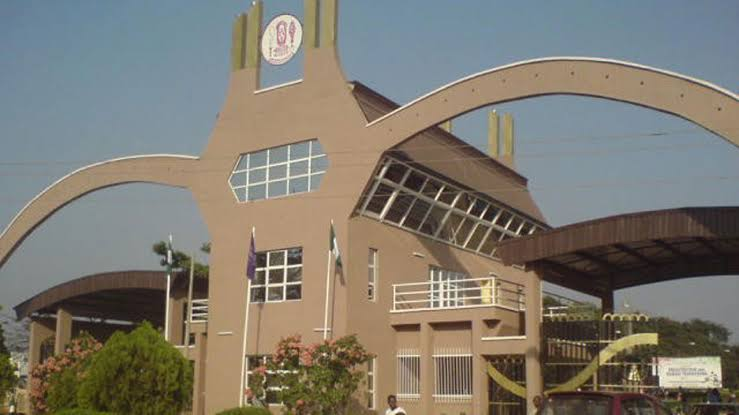 UNIBEN bans cars with tinted glasses on campus
