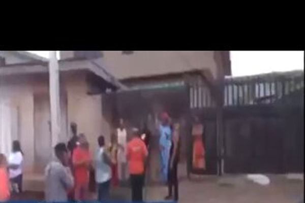 Video: Sisters abandon mother's decomposing corpse in Benin apartment for 9 days