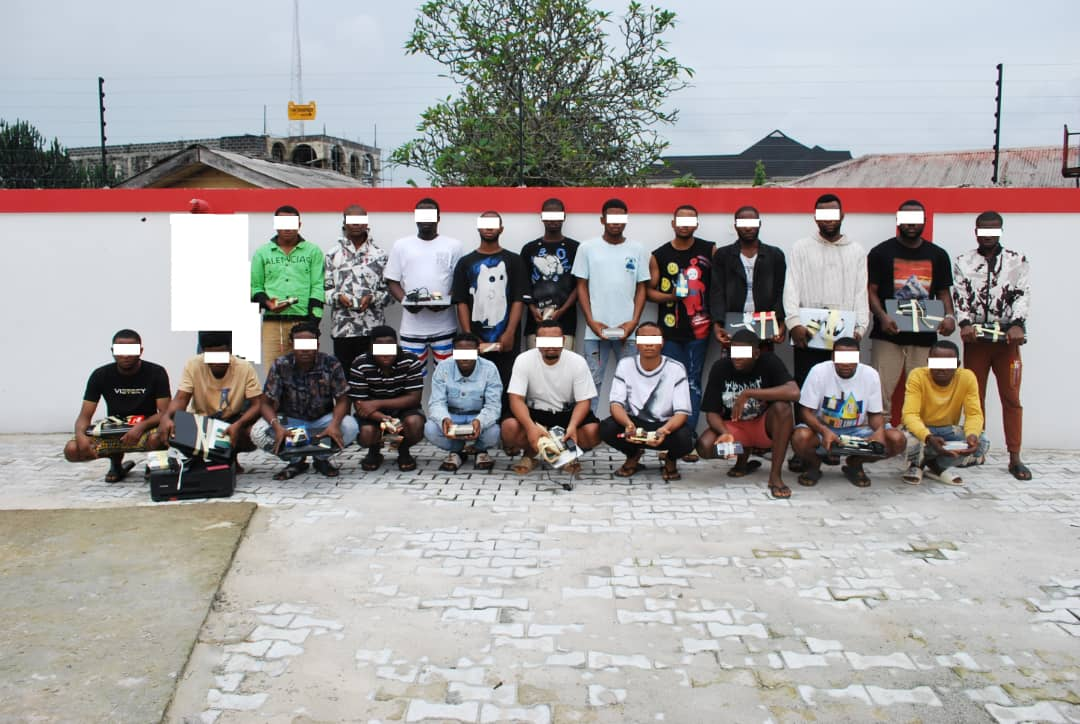 PHOTOS: EFCC busts 21 suspected internet fraudsters in Abia