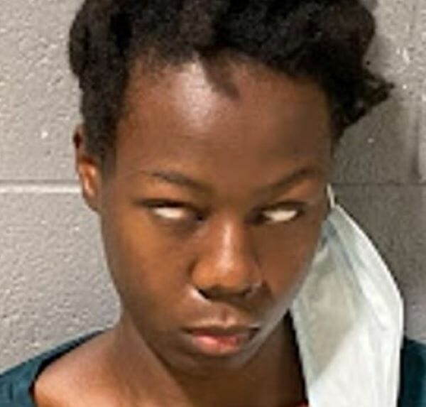 Nigerian woman gives strange look after she was arrested in US for 'wanting to blow up hospital'