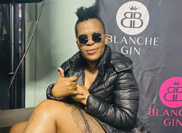 Zodwa Wabantu and bae loved up in new post – Video